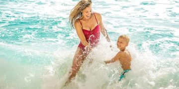Splash in the waves with your kids withour paying more as a single mom