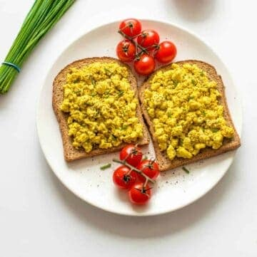 tofu scramble on 2 slices of toast