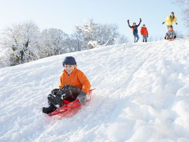 Complimentary amenities that the kids will love include hot cocoa awaiting in the lobby and loaner sleds.