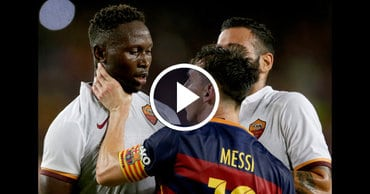 Messi Head-Butts and Chokes AS Roma's Player