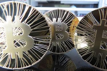 bitcoin-stand