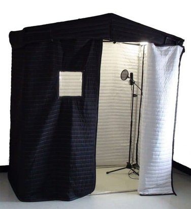 The blanket booth