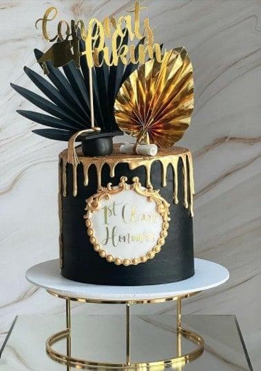 Black Cake with Gold Drip Graduation Cake Ideas