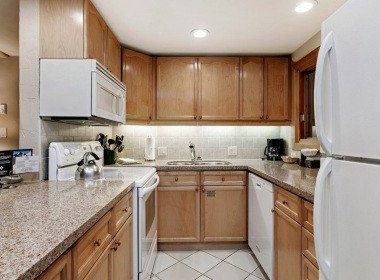 107-kitchen