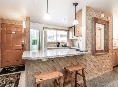 406-kitchen-entry-2019