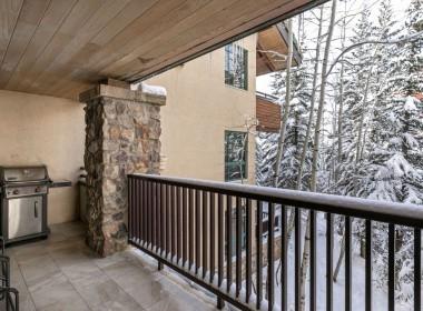 418-winter-balcony-2020