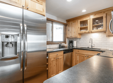 antlers-at-vail-508-2019-kitchen