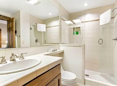 514 Bathroom