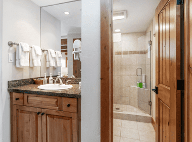 2019-602-bathroom