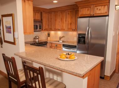 AntlersVailCondo_111_kitchen