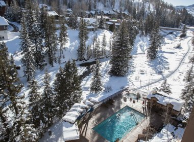 AntlersVail-pool-hot-tubs-winter