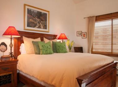 AntlersatVail_4-bedroom_queen