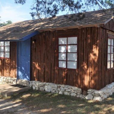 Image of one of our lake cabin rentals that sleeps 4 guests. Best cabin rentals in Texas are here at Cedar Lodge Texas Cabin rentals