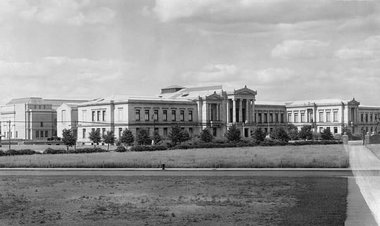 MFA, 1909 Beaux-Arts structure designed by Guy Lowell