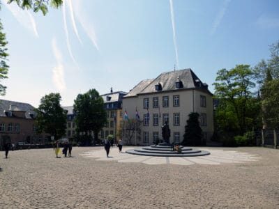 Place Clairefontaine