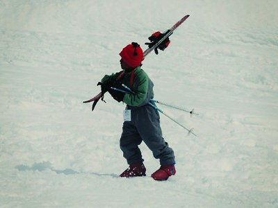 Ski trips with kids build self-reliance