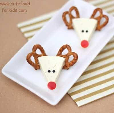 Christmas Cheese Reindeer - 25 Amazing Christmas Party Appetizer Recipes! Fun Food Ideas and more for a Holiday Party. LivingLocurto.com