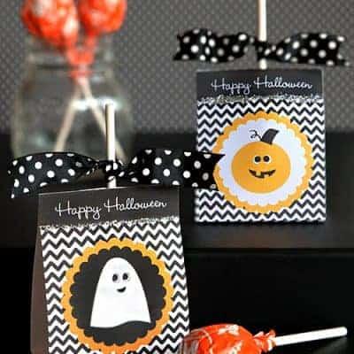 Free Printable Halloween Lollipop Holders {Party Favors}