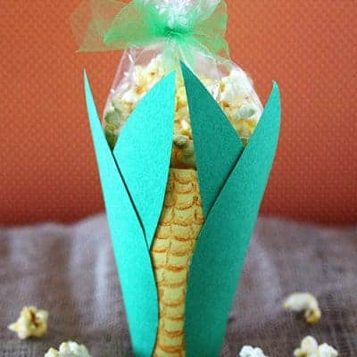 Popcorn Corn on the Cob Snack | Thanksgiving Kids Craft