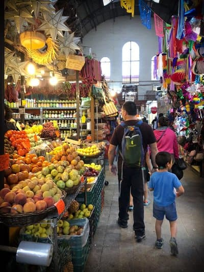 Traveling to Mexico with kids and visiting a public market
