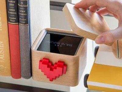 Spinning Heart Messenger | Valentine's Day Gift Ideas | OPAS Blog