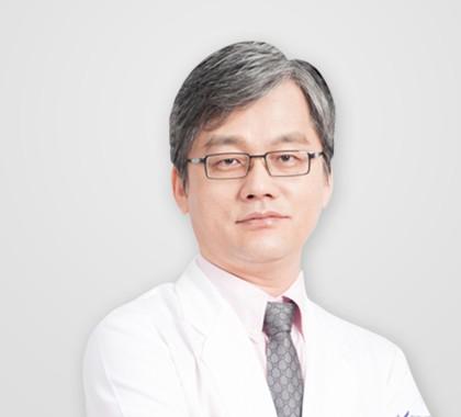 Dr. Man Koon Suh