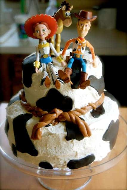 BEST Toy Story Party Ideas. Easy to make Toy Story Birthday Party Cake