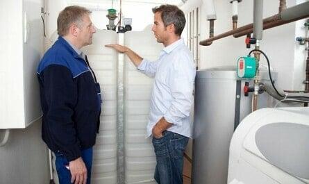 Beratung zu Kunststofftanks im Keller