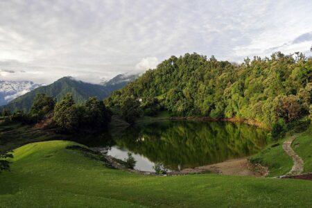 photo of Deoria lake or Deoriatal/Devariyatal during monsoon