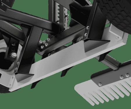 Self-Leveling Box Blade