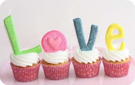 Valentines Day Cupcakes with LOVE cookies
