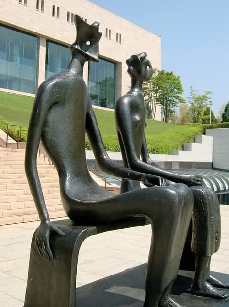 Henry Moore King and Queen