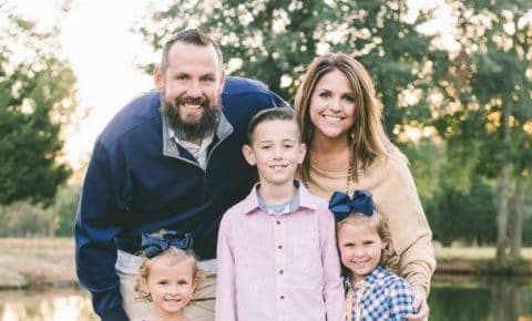 Pigtails & Crewcuts franchisee Maura Parks and her family