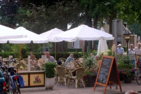 Keernpunt Cafetaria Restaurant terras