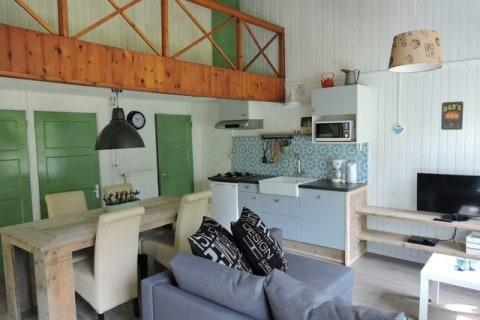 De Blauwe Lantaarn Vakantiehuisje interieur woonkamer