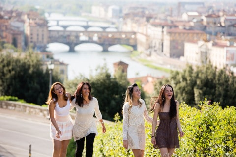 Mother and daughters photo session in Florence