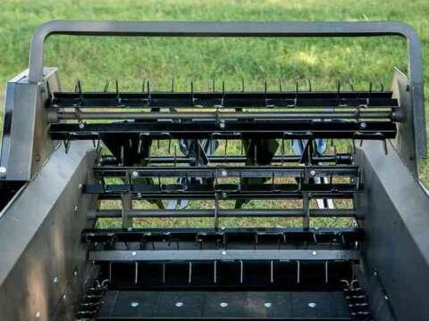 Tractor 85 ground drive manure spreader shredding beater bars