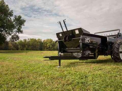 Pull type 85 ground drive manure spreader