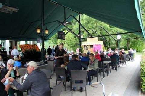Restaurant De Wapser Herberg terras met overkapping