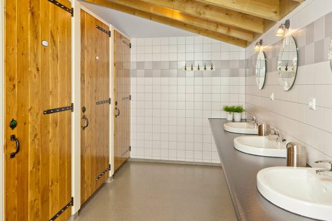 Sanitairgebouw 't Washokke interieur