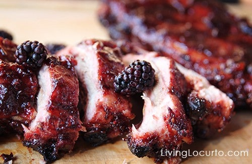 BBQ Ribs with Blackberry Sauce. A mouthwatering easy barbecue recipe with a sweet and spicy sauce. LivingLocurto.com