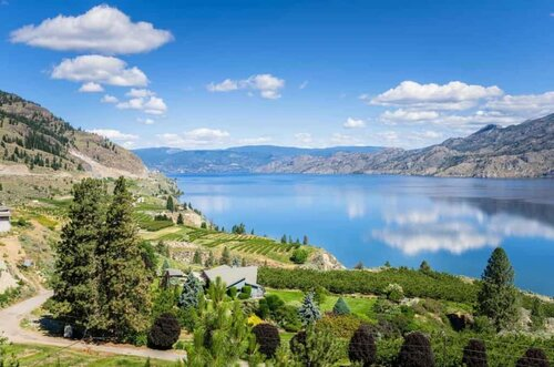 An Introduction to Canadian Wine Country - The Wine Regions of Canada - British Columbia (Okanagan) | Winetraveler.com