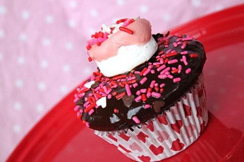 Valentine's Day Cupcake Ideas - S'mores Cupcake - Living Locurto