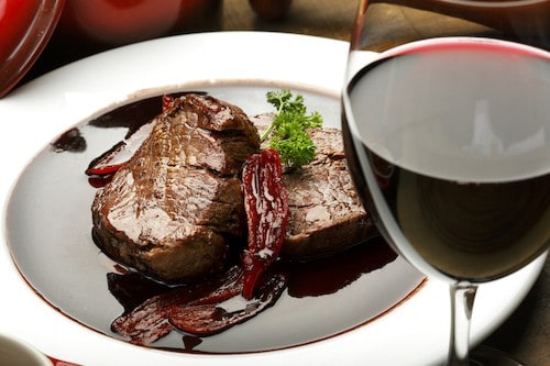 What's the Best Food Pairing for Cabernet Sauvignon? | Cabernet and Steak Food Pairing | Winetraveler.com