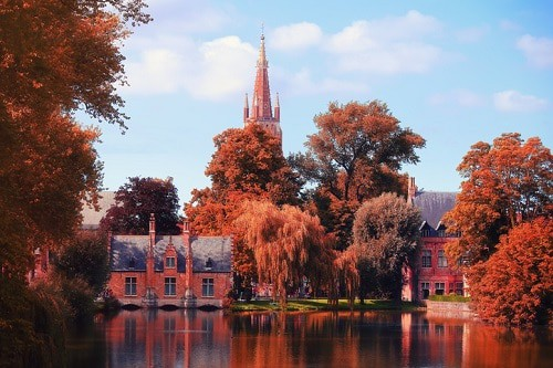 best cities to visit in europe during Autumn - Brugge | Winetraveler.com