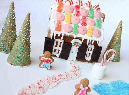 Holiday Traditions - Gingerbread House- ©2011 LivingLocurto.com