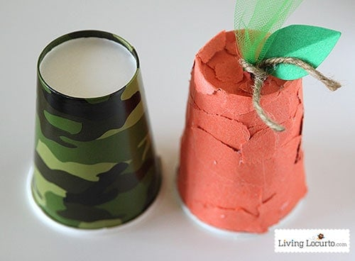 Easy Thanksgiving Kids Crafts with Paper Cups. Cute Come and Get it Bell! LivingLocurto.com