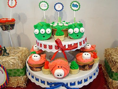 Toy Story Party Ideas Cute Pig and Alien cupcakes