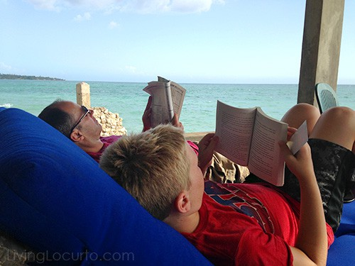 7 Simple Tips for Taking Amazing Family Vacation Photos by LivingLocurto.com - Bluefields Bay Jamaican Villas