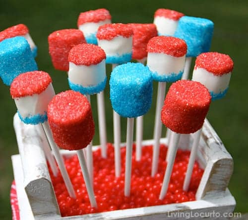 4th of July Marshmallow Pops are a sweet and easy no bake red, white and blue treat to make this summer! Easy party dessert recipe.